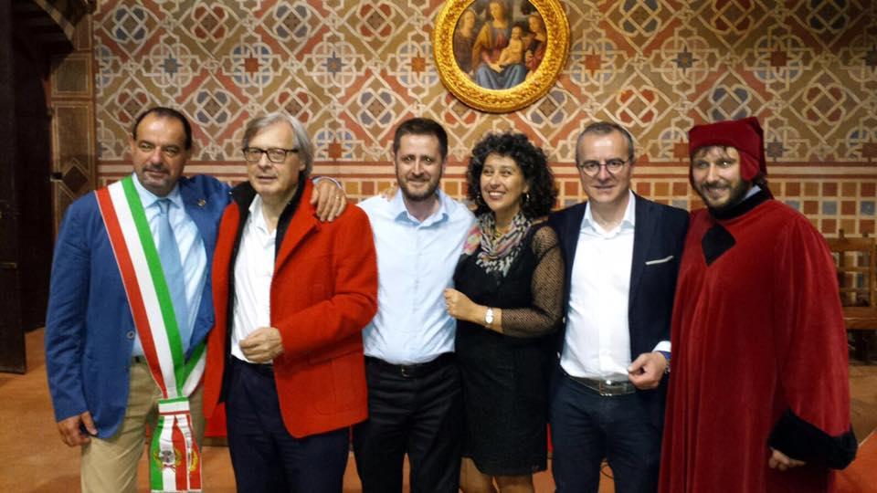 Foto di gruppo durante la serata del 21 giugno a Poppi