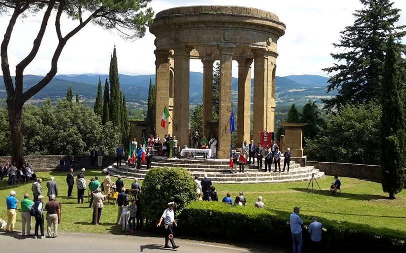 Commemorazione al Monumento