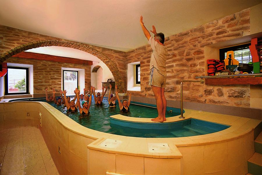 Pratovecchio stia anziani alle terme con il comune casentino pi - Hotel lucciola bagno di romagna ...